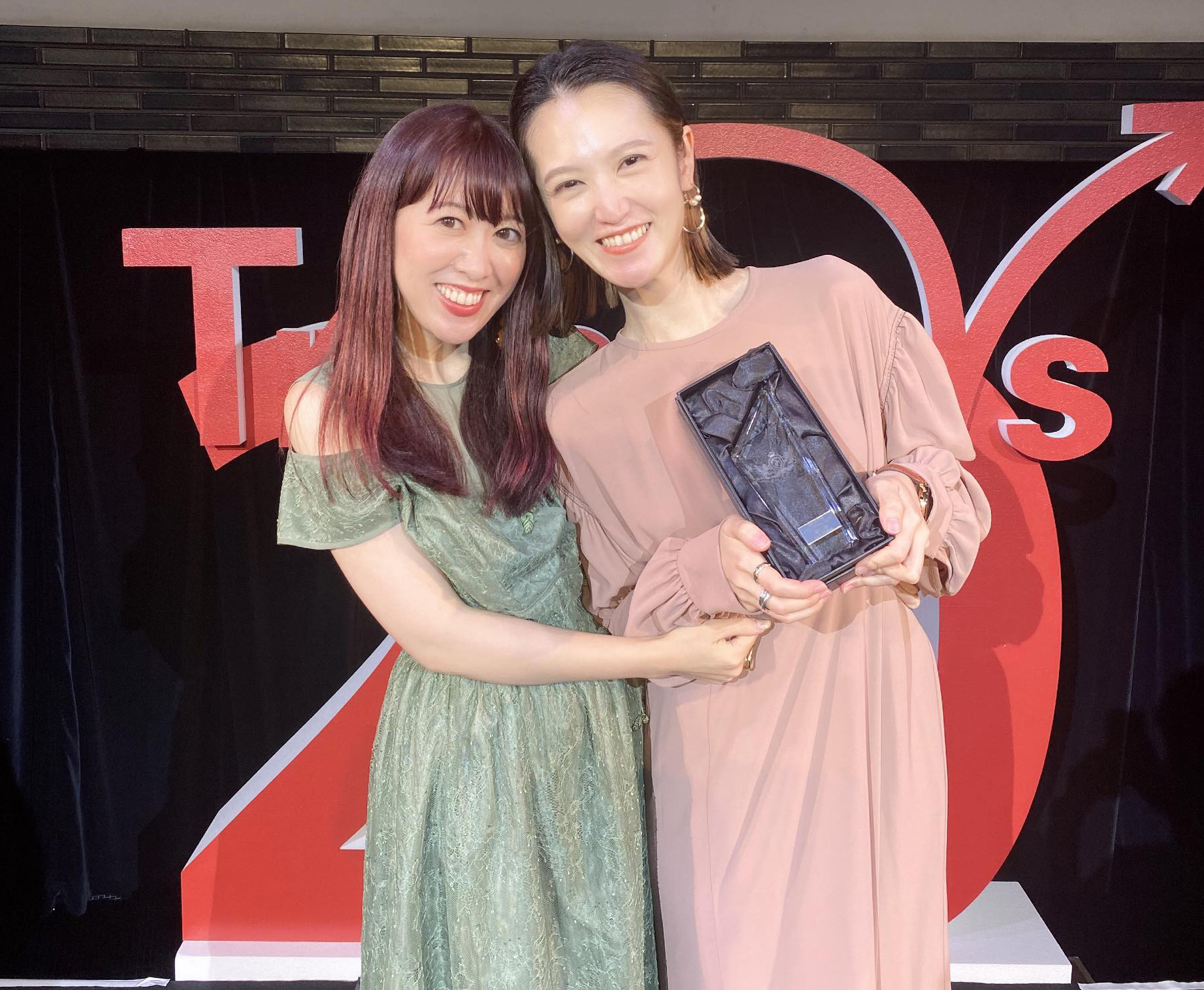 寺林さんのMVP受賞with飯田さん